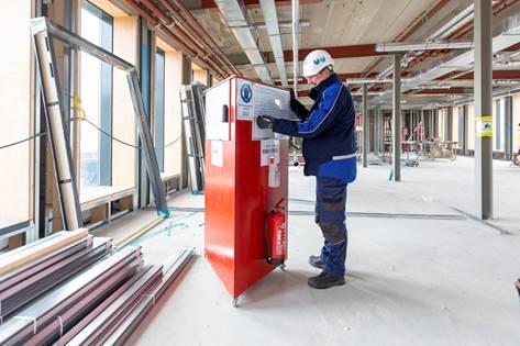 Veiligheidszuil BP Europoort verwijs timmerwerken
